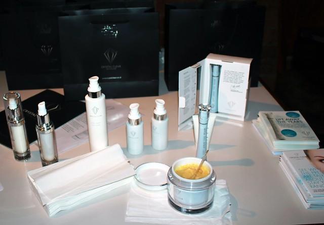 moisturising-cream-moisturizer