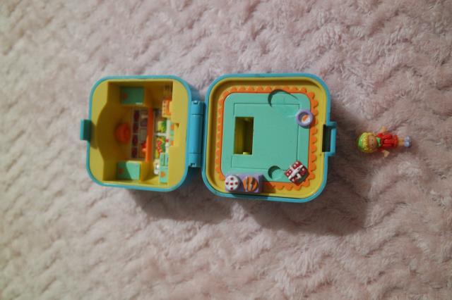 [VENTES ou ECHANGES] Polly Pocket, Cupcakes, MH, Mini Lalaloopsy 31123752074_a84009bd32_o