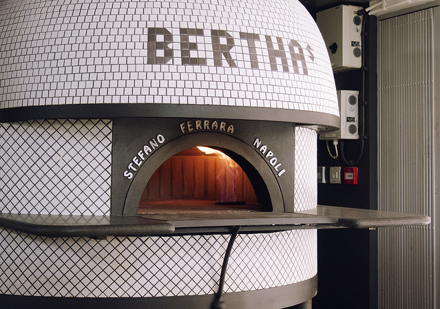 best pizza in bristol bertha's sourdough pizzeria being little food blog travel fashion lifestyle blogger