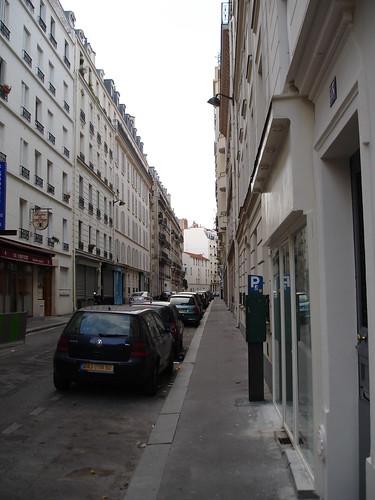 Rue chevert rue chevert looking n from ave de tourville for Koi rue chevert