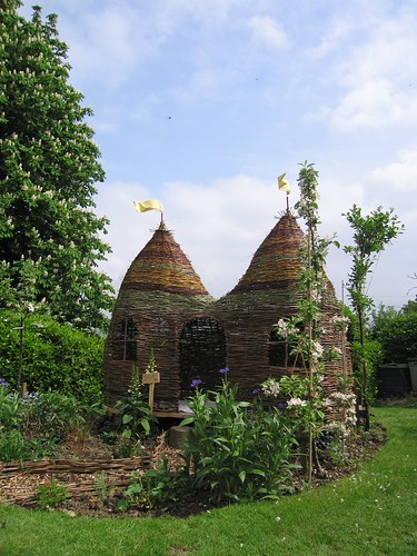 Dreaming Spires Willow Playhouse From Judith Needham Www W