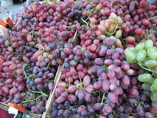 SFO Day 2: Grapes at the Ferry Plaza Farmers Market | by swampkitty