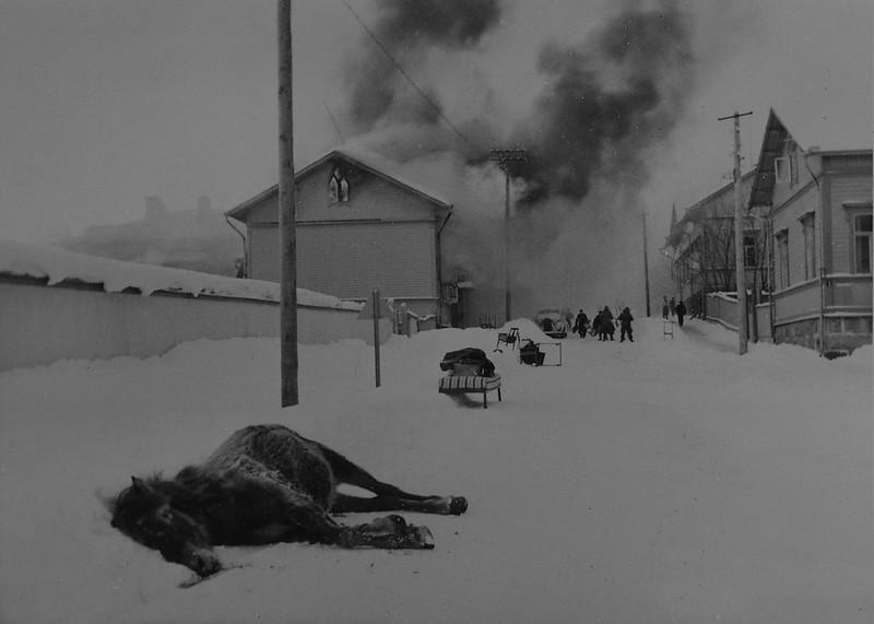 Повреждения, вызванные  бомбардировкой. 1940.02.03 14