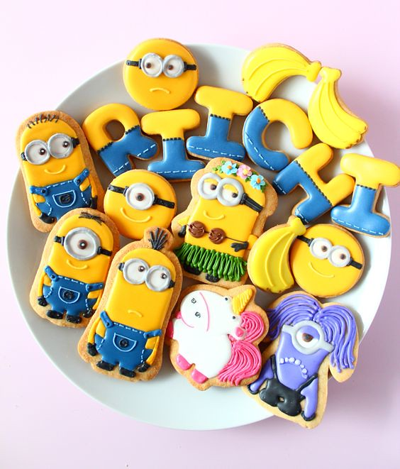 Minions icing cookies by Y&Csweets
