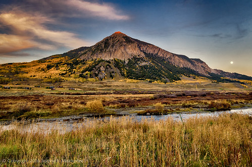 Moonrise over Crested Butte | Crested Butte, CO | September, 2015  by Somnath Mukherjee Photoghaphy