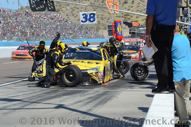 Carl Edwards pit stop
