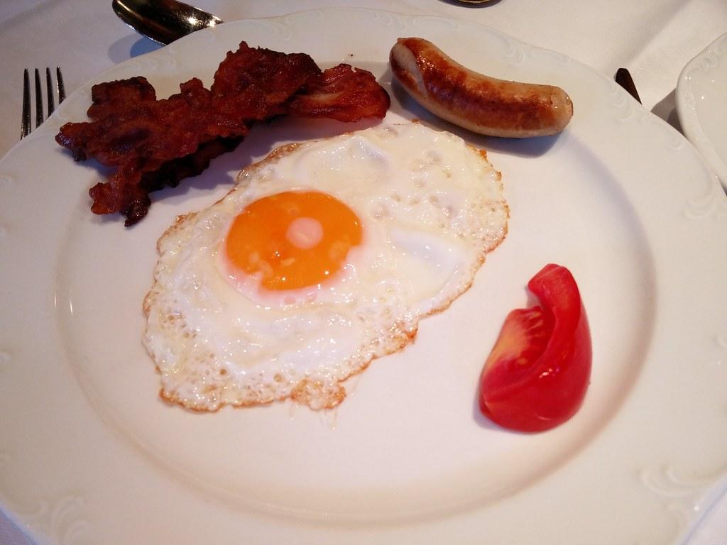 Egg, sausage and bacon