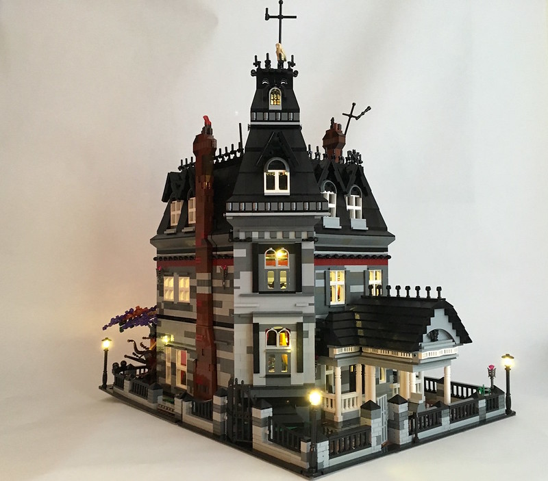 Addams Family Mansion LEGO