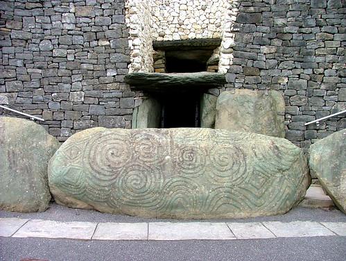 Carved stone newgrange tomb ireland the at