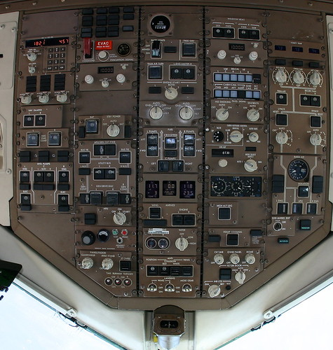 Detailed 757 cockpit overhead panel with notes | by Fly For Fun
