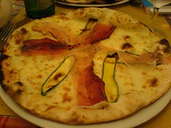 Pizza Tirolese | by clotilde