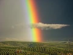 Nubes y arco iris by Guervós