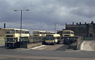 Wolverhampton's second, but short-lived Bus Station (off Railway Drive), 1981. | by Lady Wulfrun