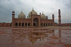 Badshahi Masjid by Yasir Naeem