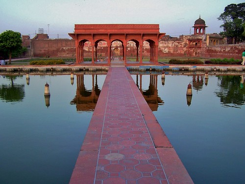 The Shalimar Gardens, Lahore, Pakistan - April 2008 | by SaffyH