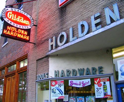 Holden Hardware & Glidden