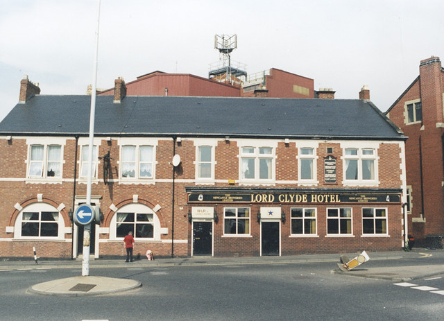 Lord Clyde Hotel, Shields Road 1996