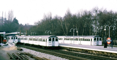 265-08 Northern Line, High Barnet