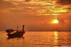 ♥ Morning SunRise At Leephae ♥  /  พระอาทิตย์ขึ้นที่หลีเป๊ะ by AmpamukA