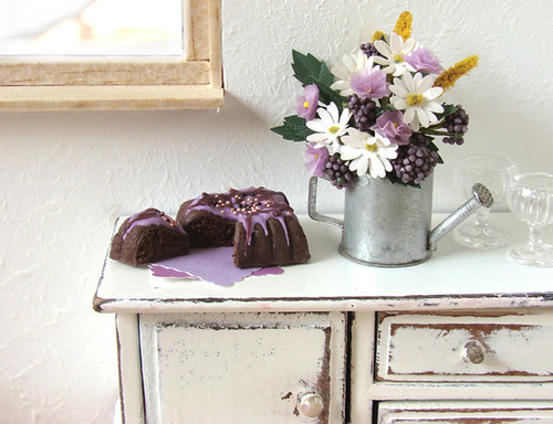 Purple Cake and Shabby Chic | by PetitPlat - Stephanie Kilgast