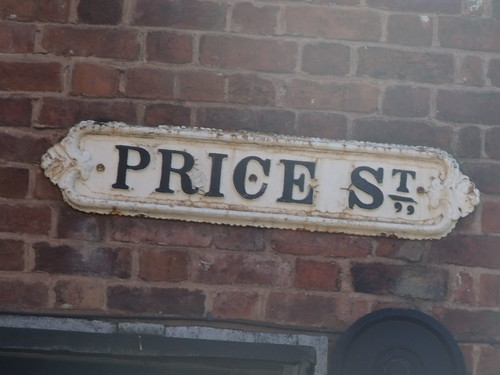 Price St road sign - The Bull - Gun Quarter | by ell brown