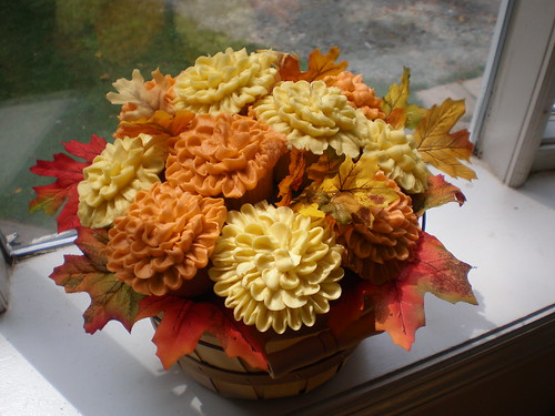Fall Mum Cupcake Bouquet | by SweetDevotionCupcakes