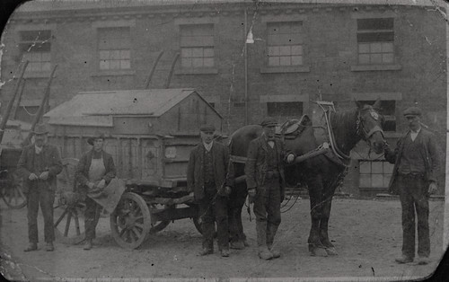 056141:Refuse Collectors Byker Unknown c.1912