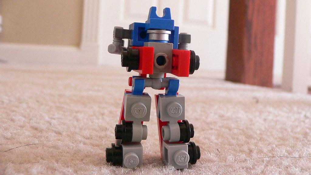 Как из лего сделать робота который трансформируется в