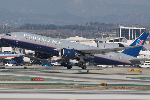UAL 777-200 N224UA departing LAX | by BriYYZ