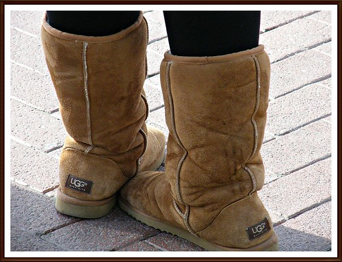 Young girl spotted - candid - wearing sexy ugg boots! Dublin, Ireland, 03/2010 ENJOY THE MAGIC!:) | by || UggBoy♥UggGirl || PHOTO || WORLD || TRAVEL ||