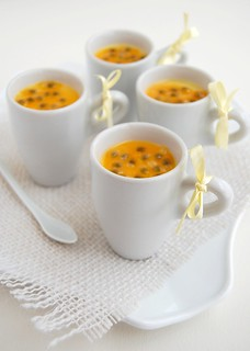 Passion fruit posset / Potinhos de maracujá | by Patricia Scarpin