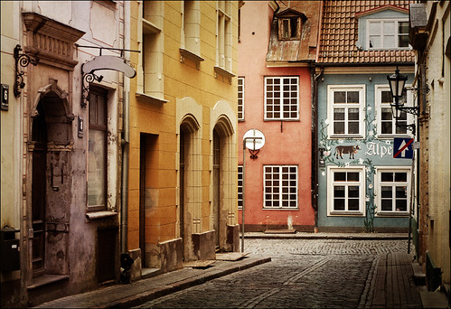 Old street in Riga, Latvia | by Oly ;)