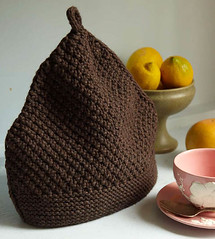 Acorn tea cozy | by Veronik A.