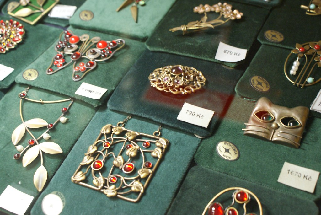 Magasin de bijoux dans la maison de la municipalité à Prague (Obecni Dum).