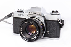 Yashica-FR-1976-+-Yashica-50mm-f1.7-ML