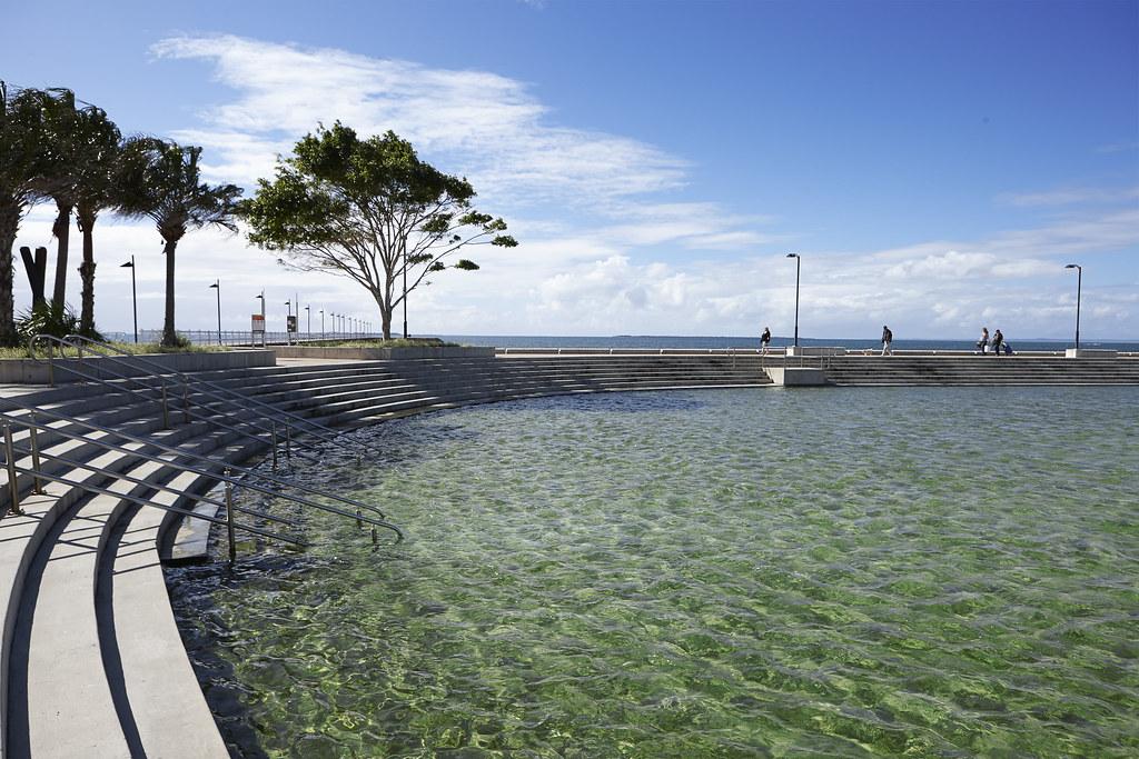 Wynnum wading pool park wynnum flickr photo sharing for Pool show qld