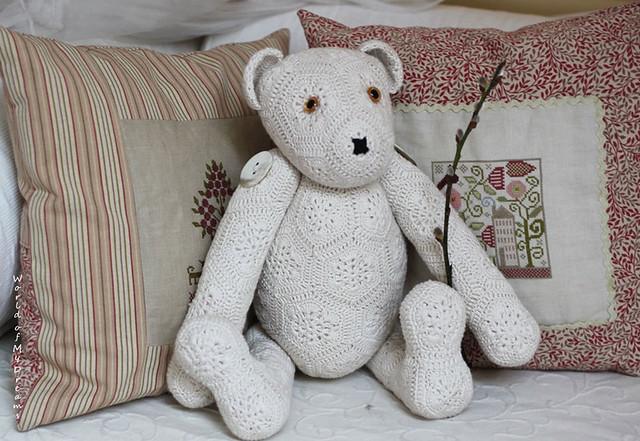 T H E Bear