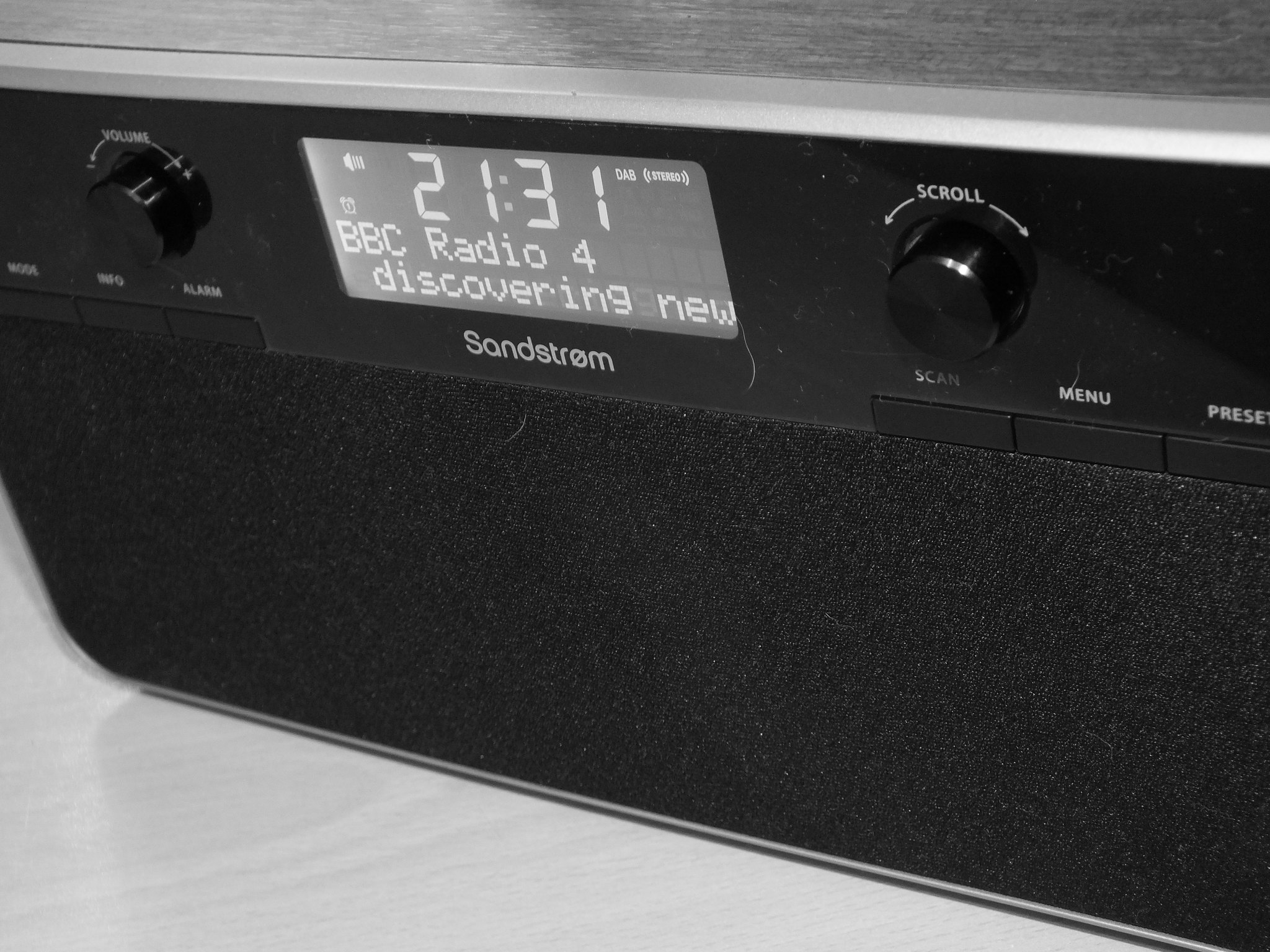 sandstrom digital radio