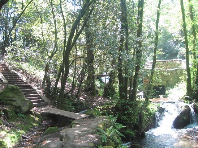Escaleras en el PR-G 170 Ruta da Pedra e da Auga