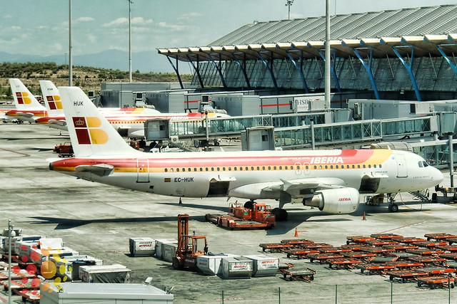 como ir do T4 ao T4S do aeroporto de Madri Barajas