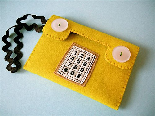 Push phone pouch -mustard yellow | by hine