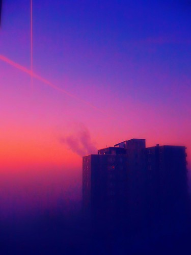 blue red pink: morning sky - a wall of fog - aeroplanes from .. Zurich Frankfurt Paris Berlin | by eagle1effi