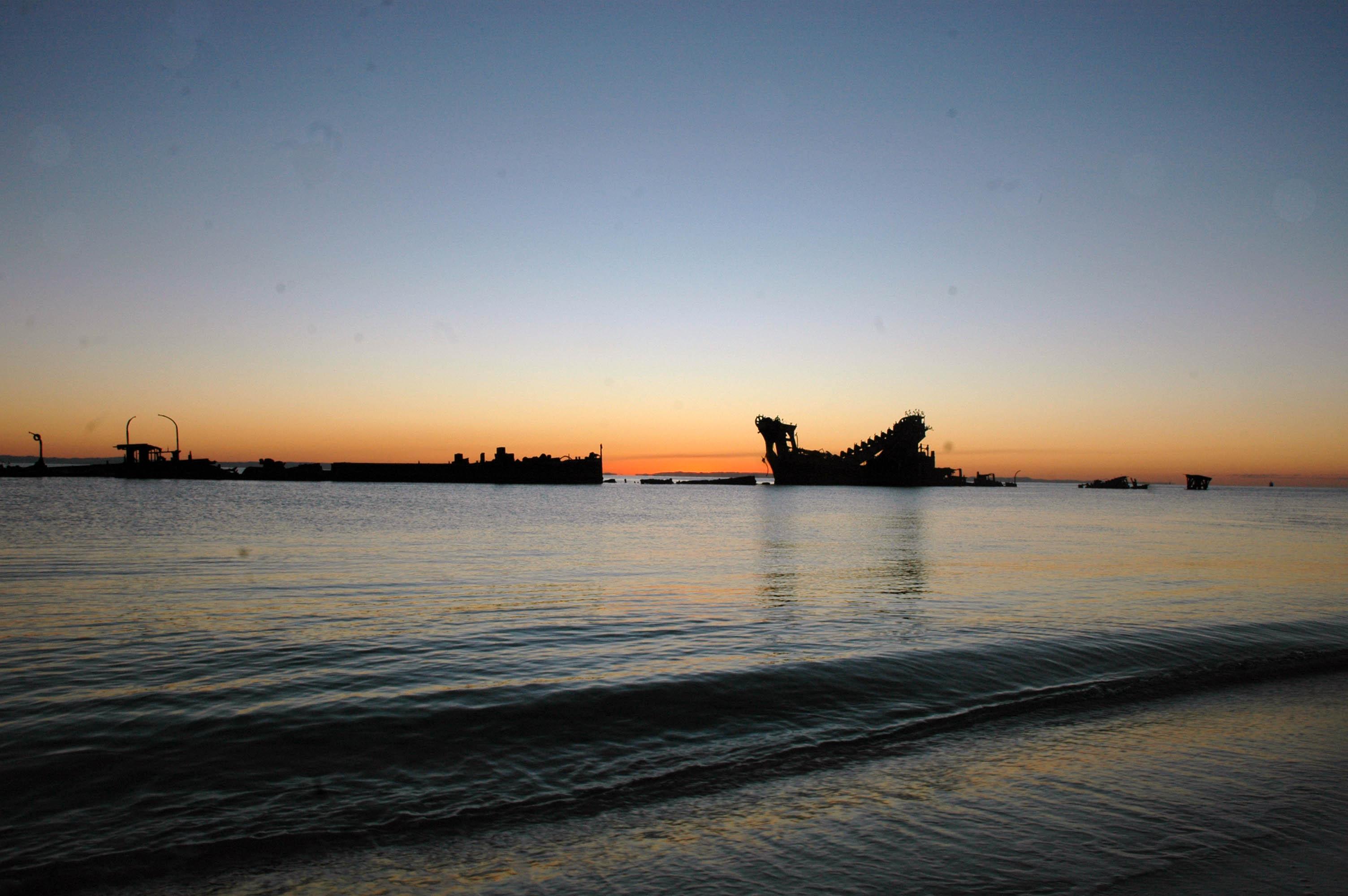 tingalooma wrecks, sunset
