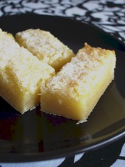 Double-lemon bars / Barrinhas duplas de limão siciliano | by Patricia Scarpin