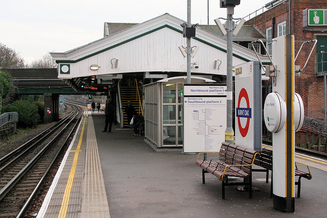 Burnt Oak Underground station