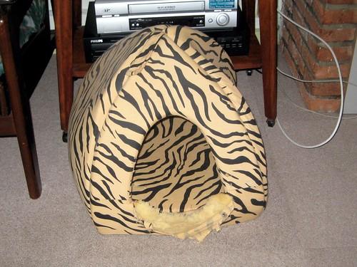 Free Cat Igloo Sewing Pattern