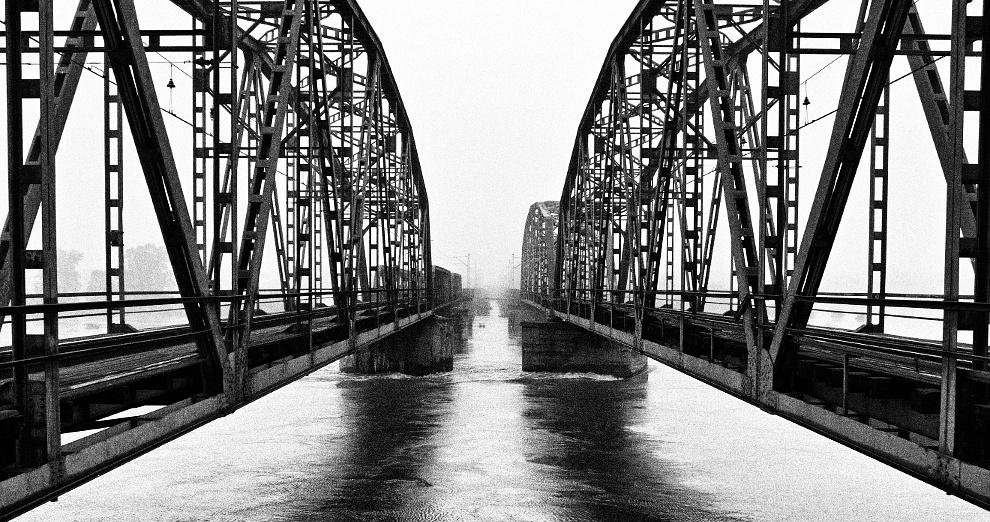 nieistniejący most kolejowy na Odrze we Wrocławiu (Popowice-Osobowice)