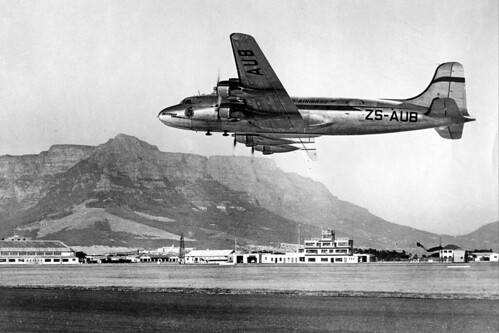SAA Skymaster Leaving Wingfield Airport, Cape Town (1950) | by HiltonT