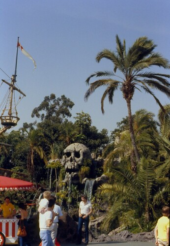 Skull Rock, Disneyland, 1979 | by Distraction Limited