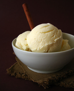 Cinnamon ice cream / Sorvete de canela | by Patricia Scarpin